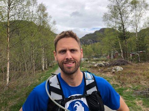 Klar for nye oppgaver: Simen Vik Oanes er nyutdannet innen sitt fag og er beredt til å hjelpe folk på Rennesøy, i Stavanger og andre steder.