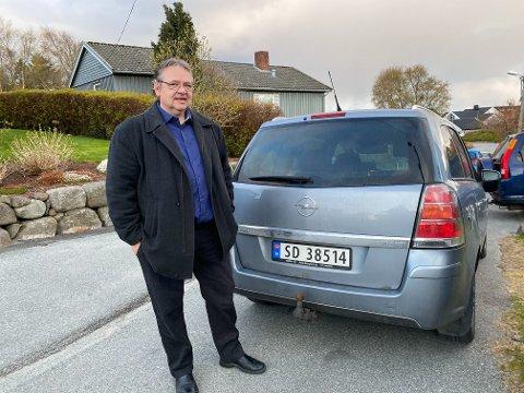 Frastjålet: Søndag ettermiddag ble Erik Leirvik utsatt for et frekt tyveri i gata der han bor.
