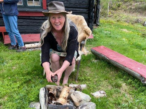 Turistvert og bonde: Inger Valen fra Valahaug på Randaberg eier og driver et stort gårdsbruk i Fyresdal i Telemark, som er under renovering. Samtidig har hun mye å tilby turister.