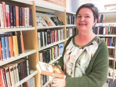 BIBLIOTEKSJEF: Tone Christine Cook er på plas som biblioteksjef i Midt-Buskerud.