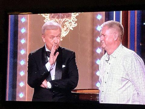 LØRDAG: Hallvard Flatland og Knut Erik Kjemperud på skjermen i Casino på TV Norge.