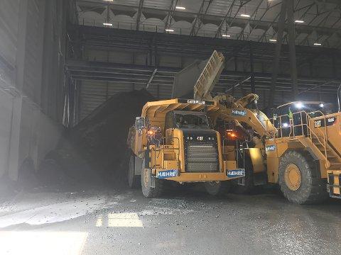 TUNNEL: Hæhre Entreprenør er med i sluttspurten om å bygge en 1,8 kilometer lang tunnel i Valdres.