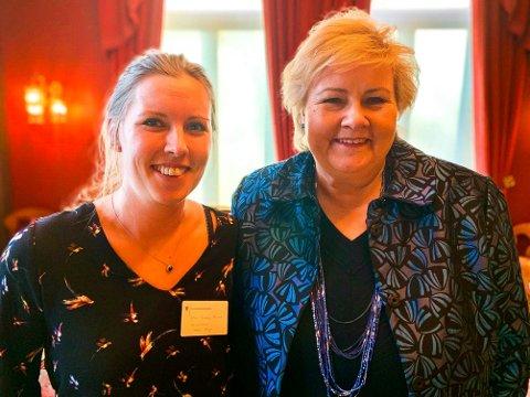 HYGGELIG MØTE: Linn Tandberg Thorud  (31) fra Geithus var onsdag med og ga statsminister Erna Solberg råd om fremtidens utdanning.