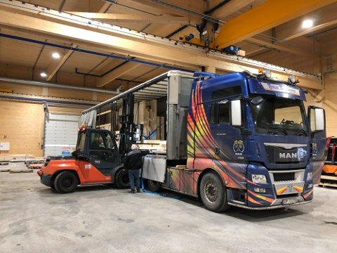 I RUTE: Terje  Tandberg Transport AS henter første leveranse hos Splitkon.
