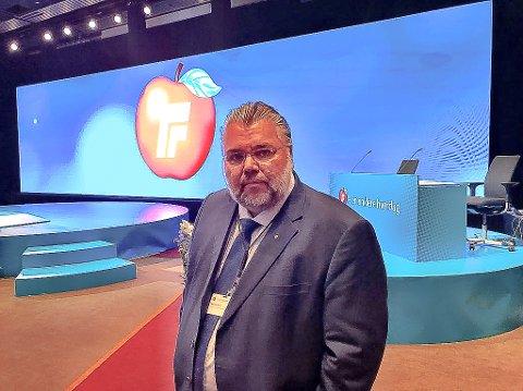 EN STOR ÆRE: Stortingsrepresentant Morten Wold (Frp) fra Modum skal lede landsmøtet i Frp i helgen.