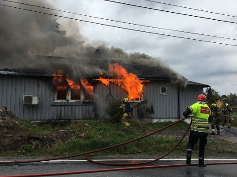 BRANT: Huset til familien Majormoen brant 1. oktober 2017.