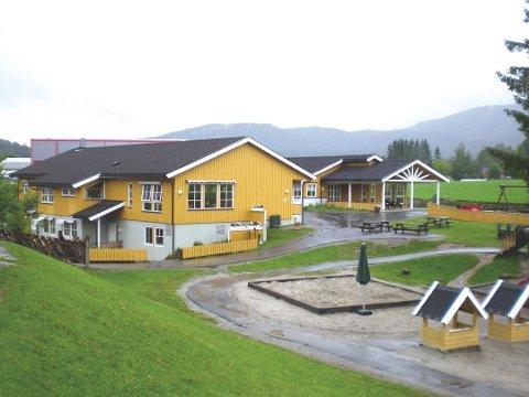 NERSTAD:  Det er ikke ledige barnehageplasser hverken i Prestfoss eller på Nerstad, skriver Kjell Tore Finnerud (AP).