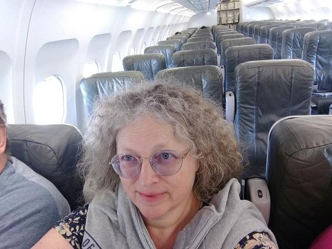 ENSOMT: Det er ikke ofte man sitter på fly så tomme som dette. Her fra turen mellom Fort Myers og Newark-flyplassene i USA.