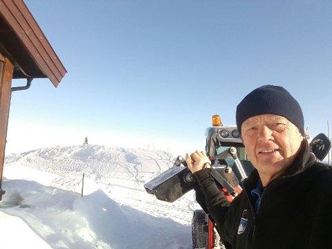 John Bjørn Skaseth fra Norefjell Vakt og Hytteservice er en av dem som er ute og passer på hytter og leiligheter på Norefjell.
