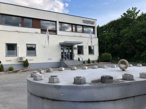 NEDBEMANNER: Westad Industri AS i Geithus må nedbemanne med 35-40 ansatte – i denne omgang – for å komme seg gjennom koronakrisen
