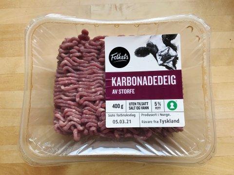 Nederst til høyre på pakningen står det at denne norske karbonadedeigen er lagt av kjøtt fra Tyskland.