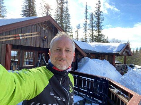 Bård Vegar Solhjell og familien har funnet sitt drømmested på Haglebu. Solhjell som nå er direktør i Norad har faktisk fra tid til annen hyttekontor her på Eggedalsfjellet.