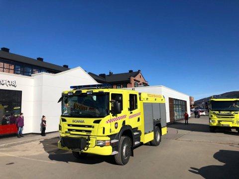 EVAKUERT: Hele Vikersund Nærsenter ble evakuert en kort periode fredag ettermiddag fordi brannalarmen i en av leilighetene ble utløst.