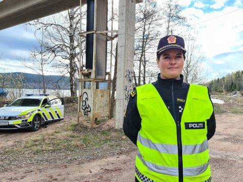 KONTROLL: 358 førere fikk bot for å kjøre for fort i gamle Buskerud forrige uke, opplyser distriktsleder i UP Sør, Karin Walin. Her fra en fartskontroll langs Svelvikveien forrige uke.