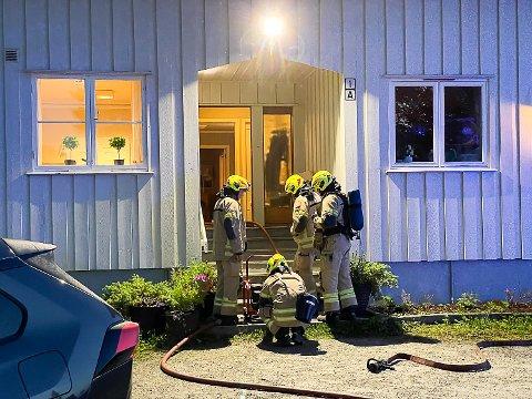 ILAUG: Forrige onsdag måtte Modum Brannvesen rykke ut til barnevernsinstitusjonen Ilaug i Geithus, etter at en beboer hadde tent på inne på rommet sitt.