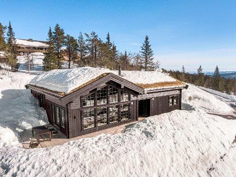 SOLGT: For å sikre seg denne hytta på Norefjell måtte kjøperne bla opp mange millioner.