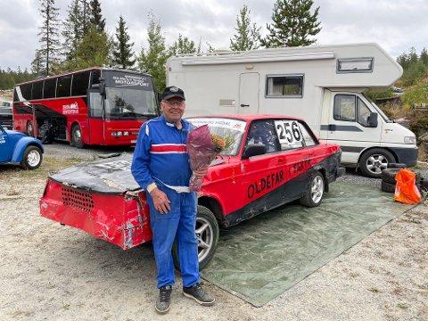 GAVE: Ole Nes (80) ga bort bilen sin til NMK Modum og Sigdal etter å ha kjørt sitt siste løp lørdag 11. september.