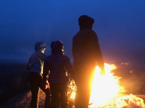 GODT SYNLIG: Bålet som ble tent på Faurefjell viste godt igjen.