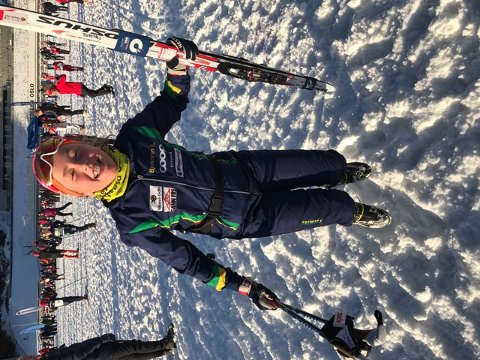 Regine Kjølberg kunna jubla etter å ha gått i mål som raskaste jente i 12-årsklassen under laurdagens fristilsrenn i Holmenkollen.