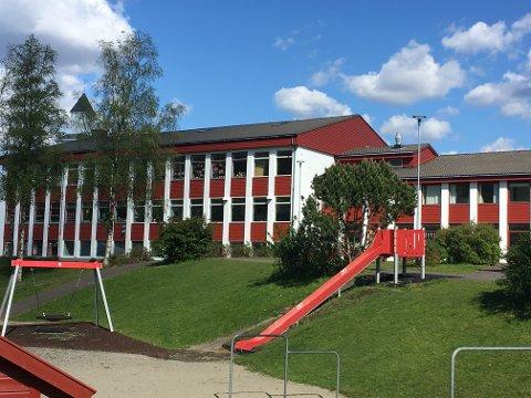 BLEI MOBBA: Mobbinga starta her, på Bjerkreim skule.