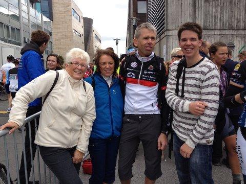 Bjørg Hadland og Brit Aina Hadland var fornøyde med å få Agnar Gjertsen og Ole Hadland Gjertsen i mål.