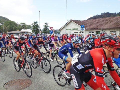 IKKE NESTE ÅR: Det var trangt om plassen på Jernbaneveien da Tour des Fjords-rytterne la ut på siste etappe mot Stavanger. Det samme kommer ikke til å skje neste år.