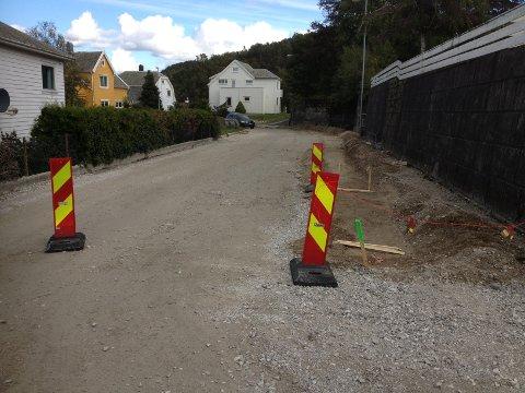 Arbeidet i Kjeld Bugges gate skulle egentlig vært ferdig i sommer. Nå er målet at prosjektet skal være avsluttet rundt midten av november.