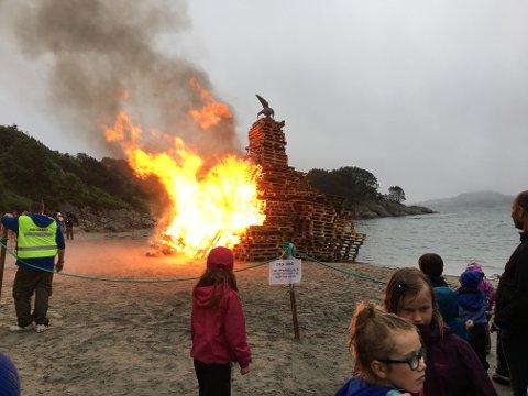 MELD FRA PÅ FORHÅND: Skal du fyre opp et Sankthansbål? husk å først melde fra til Eigersund brann og redning via meldeportalen på nett.