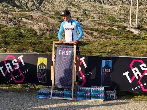 KONGEN AV SKYKULA: Fredrik Dversen flaug opp dei bratte 4,5 kilometrane på 14 minutt og 37 sekund.