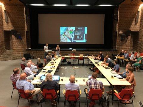 BLE ENIGE OM BUDSJETT: Kommunestyret i Sokndal var enige om mye, men ikke om hvorvidt en burde pusse opp salen de møttes i. Arkivbilde.