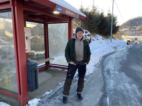 BUSSKLUSS: Karl Gustav Bakke har ikkje smarttelefon. Dermed måtte  han gi opp å ta bussen frå Bjerkreim då han onsdag morgon skulle til sjukehuset i Stavanger.