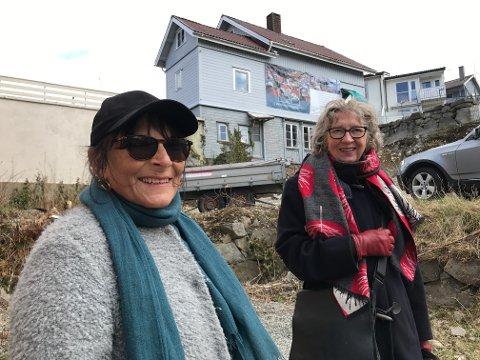 VIL AT VERNEPLANEN SKAL BRUKES: Inger Beate Mellgren og Liv Thoma fra fortidsminneforeningen vil at Egersund skal bevare uttrykket fra trehusbebyggelsen.
