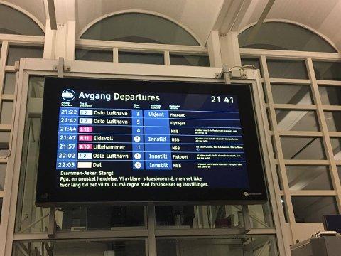 INNSTILT: Flere tog er innstilt tirsdag kveld.