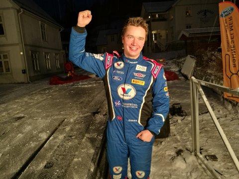 Anders Grøndal fra Drammen jublet for god fart på slutten i Numedalsrally.