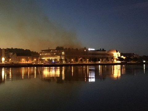 Røyk: Det var røykutvikling ved AAss i natt.