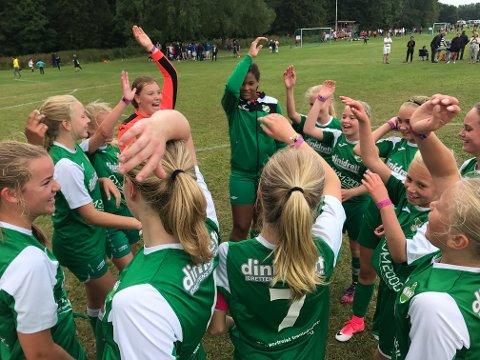 JUBEL: Vestfossen kunne juble etter gruppeseier. De slo Djerv 2-0 tirsdag.