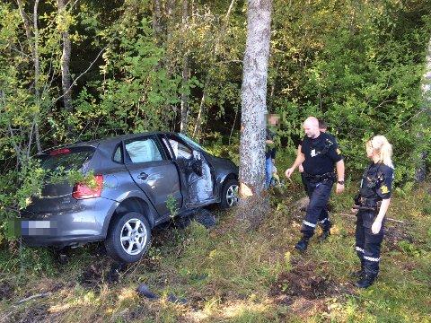 Kjørte ut: En bil har kjørt ut ved Klokkarstua.
