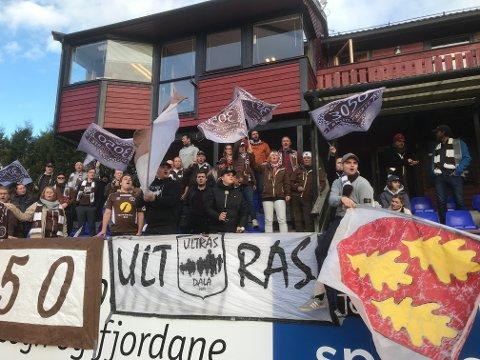 Mjøndalen får hjelp av en stor gruppe supportere i kampen om opprykk.