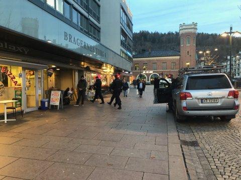 Politiet rykket ut til Bragernes torg onsdag ettermiddag etter en ransalarm.