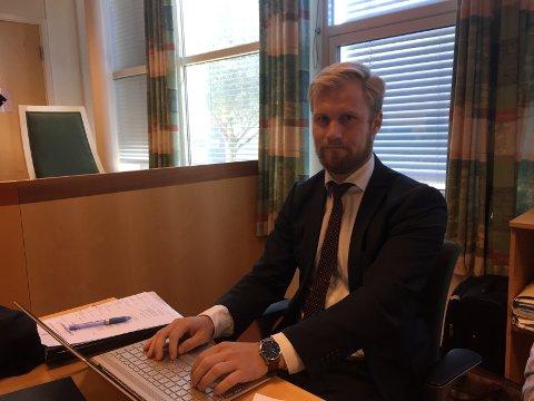 Den tiltalte 20-åringen forsvares av advokat Marius Ihlebæk.