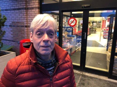 Snorre Røren (58) sier Hokksund er et fredelig sted: – Ille at sånne ting kan skje midt i bygda.