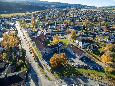 NYE REGLER: Nye regler for gateparkering i blant annet Arbeidergata og Nedre Torggate i Mjøndalen sentrum.