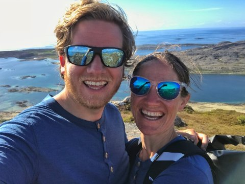 LITEN FORANDRING: Til vanlig jobber både Daniel Hauksson og Marianne Svinsholt Smith som rådgivere. I mai tok de fatt på en tremåneders seiltur langs norskekysten.