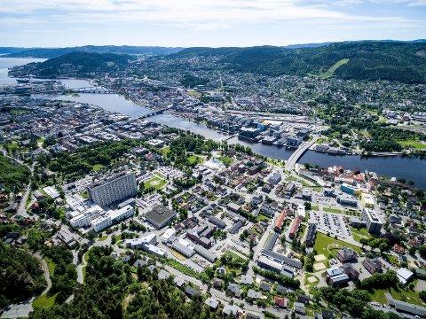 DYSTRE UTSIKTER: Om de siste årenes utvikling fortsetter, vil hvert fjerde barn i Drammen leve i en lavinntektsfamilie.