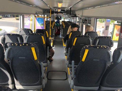 FÅ PASSASJERER: Oslo-bussene til Brakar ble ikke fylt i sommer.