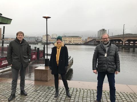 Fredag møttes sjef for prosjektgruppa for utslippsfri ferje Jan Erik Hansen, Bane Nor Eiendoms prosjektsjef Connie Nyhaven, Brakars administrerende direktør Terje Sundfjord og Rune Kjølstad, som er daglig leder i Næringsforeningen i Drammensregionen. Det skjedde i i forbindelse med at de to store aktørene blir med på forprosjektet for utslippsfri ferje.