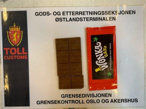 HASJ: Denne hasjsjokoladen var på vei til en mann bosatt i Røyken. Så langt kom den ikke, for tollerne ved Østlandsterminalen rakk å åpne den først.