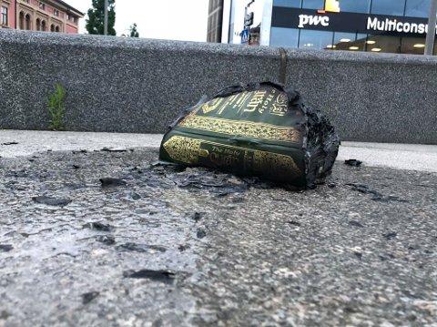 BLE PÅTENT: En utgave av Koranen ble påtent på Strømsø torg.