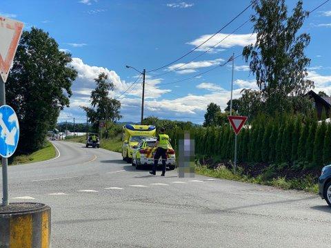 PÅKJØRSEL: En mannlig syklist ble påkjørt i Nøsteveien i Lier  torsdag ettermiddag.
