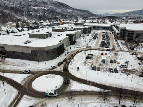 Deler av Gulskogen senter måtte stenge før jul 2018. Årsaken var omfattende setningsskader.